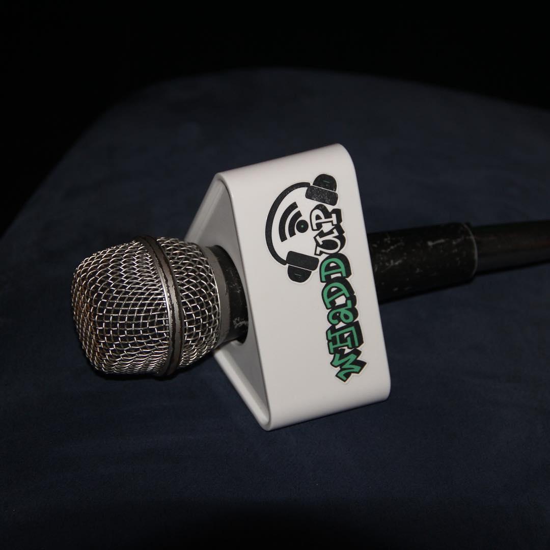 WhaddUp Television - microfono